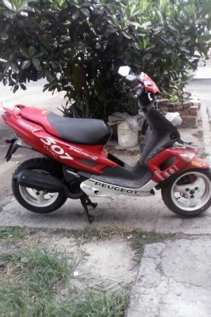 Bonita moto scooter -06