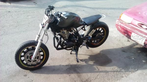 Motocicleta ktm 200cc -05
