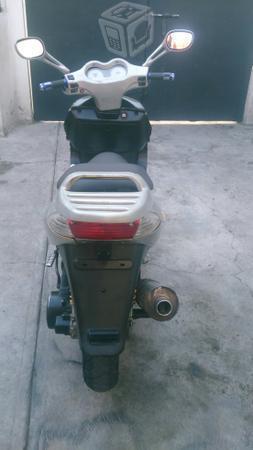 Motoneta barata -08