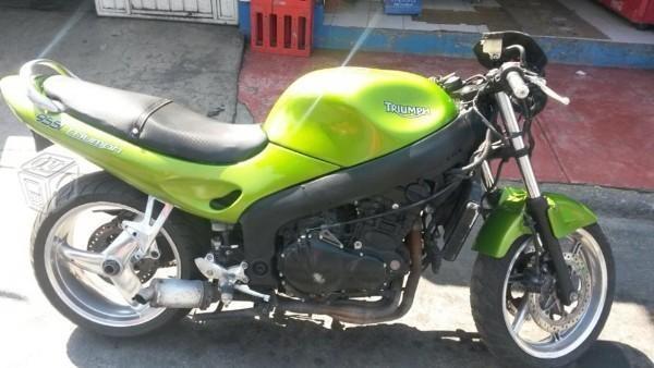 Moto deportiva -01