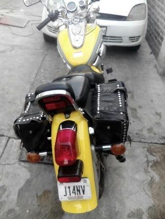 Pongo a la venta moto tipo choper -03