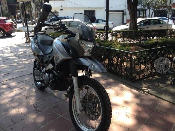 APRILIA 650cc -06