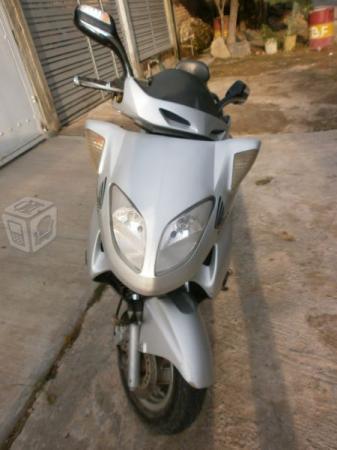 Excelente moto para la ciudad -05